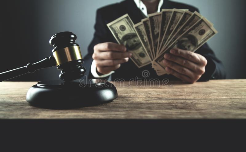 Суддю з Броварів засудили до шести років в'язниці за хабар, – НАБУ