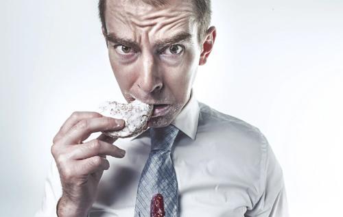 Никотиновая, алкогольная, уксусная: названы самые странные и опасные диеты в истории