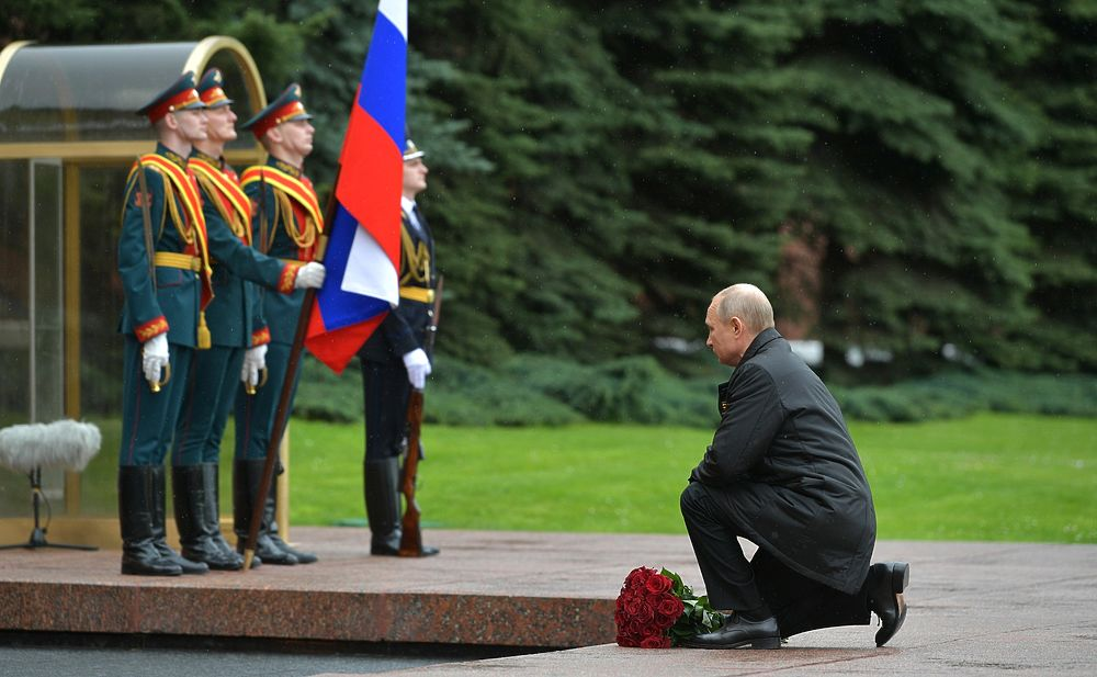 асилий Рыбников:Почему Путин на параде 9 мая выглядел старше ветеранов?