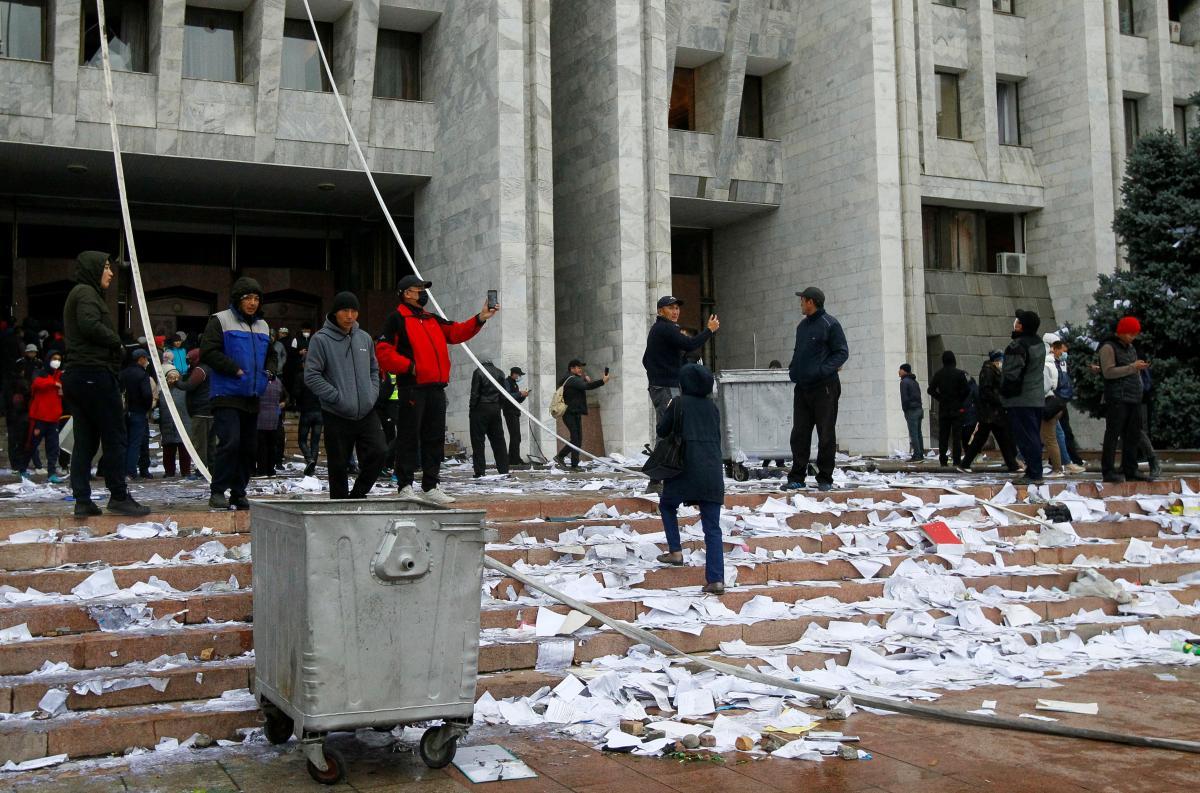 В Кыргызстане состоятся повторные парламентские выборы