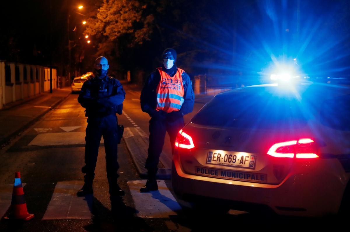Жестокое убийство школьного учителя под Парижем совершил 18-летний выходец из России