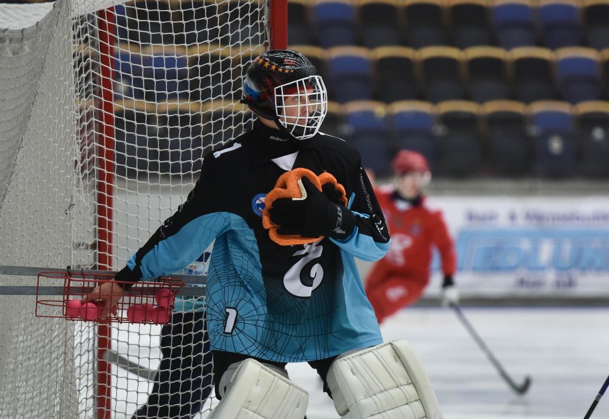 Чотириразовий чемпіон світу з хокею наклав на себе руки в Росії