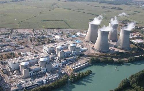 Франция отключит старейшую АЭС в стране, расположенную на реке Рейн
