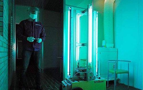 В Японии испытали робота, убивающего коронавирус в помещении