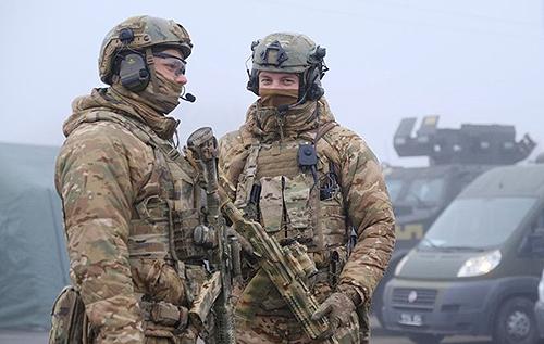 """Перемир'я на Донбасі: контроль військових-миротворців, заборона на використання будь-якого озброєння в """"ЛДНР"""" та молитва Папи Римського"""