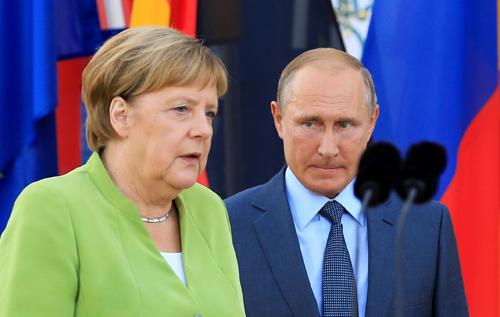 Bloomberg: Цель Путина заключается втом, чтобы показать голую мощь, которая позволяет уничтожить правду безнаказанностью