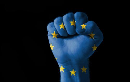 Politico: Чтобы быть игроком глобального масштаба, Евросоюзу необходимо перестать играть роль арбитра