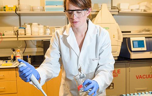 В кишечниках маленьких детей обнаружили бактерии, которые используются для очистки промышленных загрязнений