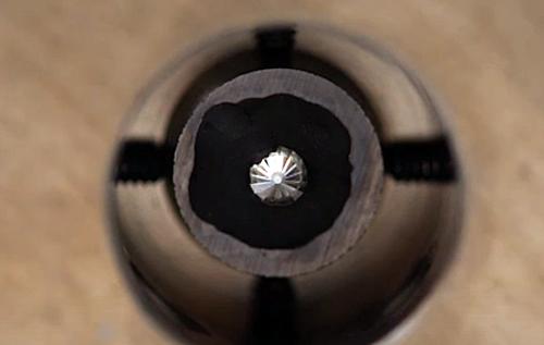 Ученые впервые получили искусственный алмаз при комнатной температуре