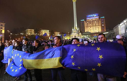 День Гідності та Свободи: Україна відзначає сьому річницю Євромайдану. ВІДЕО
