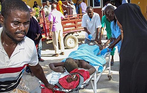 В Сомали после визита главы Пентагона взорвали бомбу, много погибших