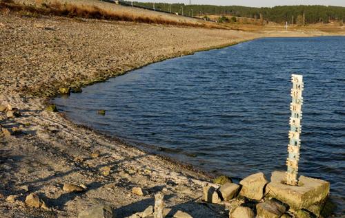 Вода из Симферопольского водохранилища в Крыму опасна, пить ее нельзя, – эксперт