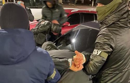 СБУ затримала банду рекетирів, яка тероризувала Житомир