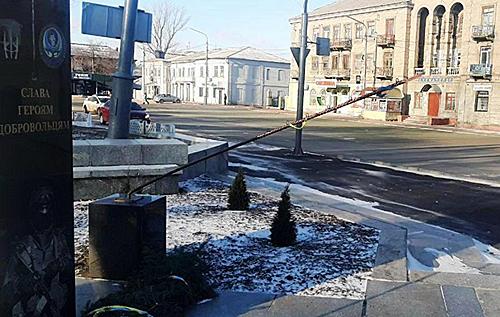 У Лисичанську вандали пошкодили пам'ятник загиблим в АТО добровольцям