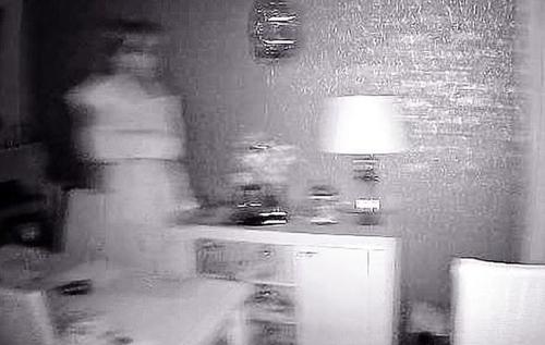 В Британии пара влюбленных убеждена, что засняла на видео призрак невесты