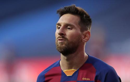 """""""Барселона"""" попробует удержать Месси урезанной зарплатой"""