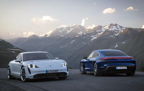 Porsche обещает не превращать автомобили в смартфоны на колесах