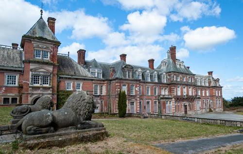 В Великобритании продают заброшенный дворец со 122 комнатами по цене лондонской квартиры. ФОТО