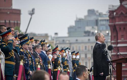 Парад Победы в Москве станет позором для Путина, РФ оказалась в полной изоляции, – российский историк
