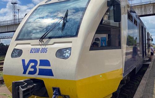"""На монорейковому автобусі """"Сміла-Черкаси"""" кондуктори відкрито беруть гроші за проїзд собі, не видаючи квитки, – журналіст"""
