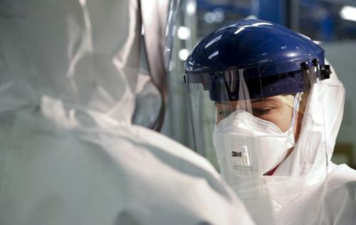 Нужны не маски, а респираторы: врач пояснил, к чему готовиться в борьбе с COVID-19