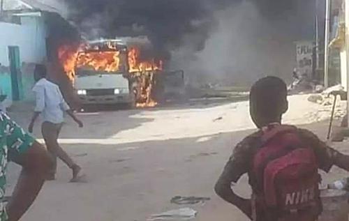 В Сомали взорвали автобус с футболистами. Много жертв