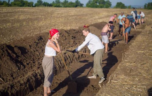 На Мамай-горе во время экспедиции археологи раскопали редкое захоронение