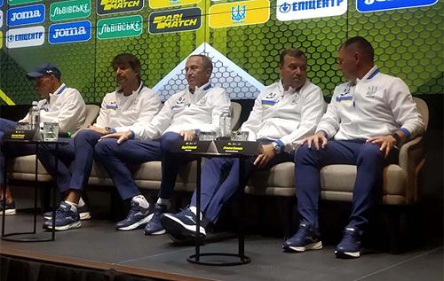 З Росією ні примирення, ні футболістів звідти в збірній України не буде, – Петраков підписав контракт і представив тренерський штаб. ВІДЕО
