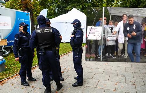 Петарда взорвалась во рту: в Польше во время протеста медиков мужчина покончил с собой