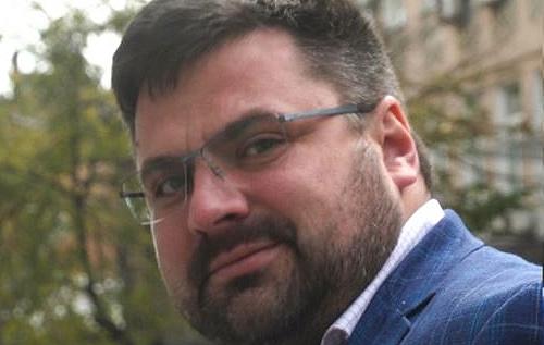 Кума Баканова обвинили в крышевании контрабанды техники Apple. ВИДЕО