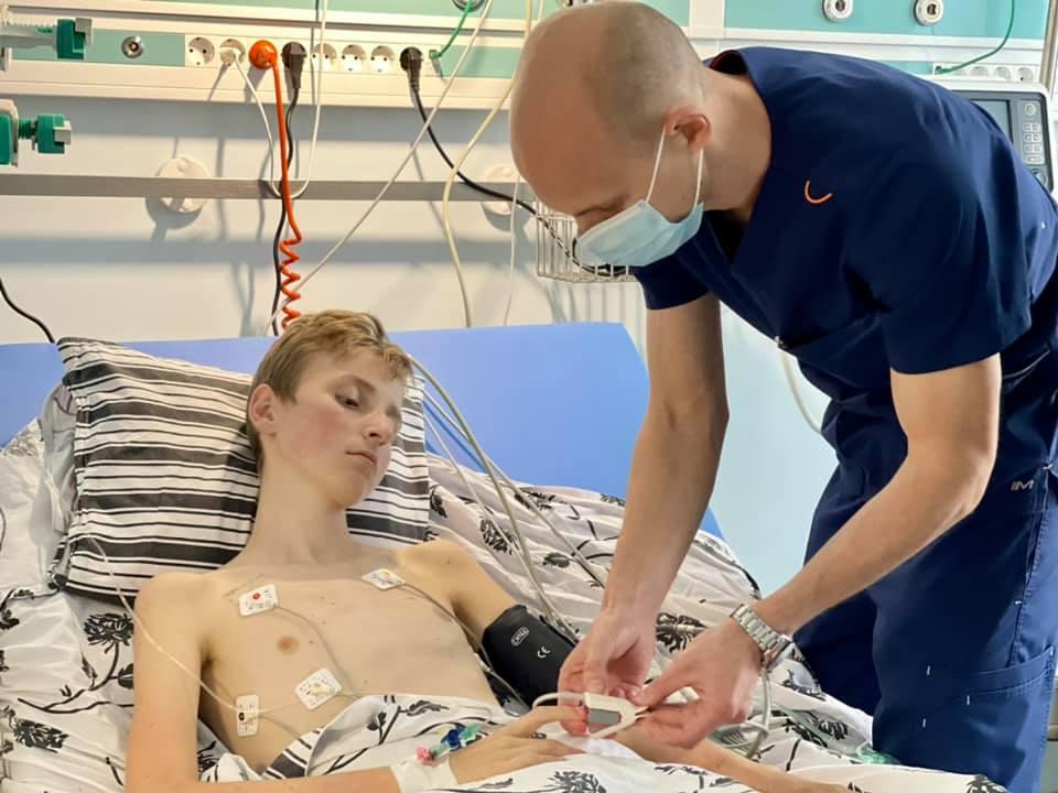 В Україні вперше провели трансплантацію серця 13-річній дитині. ФОТО
