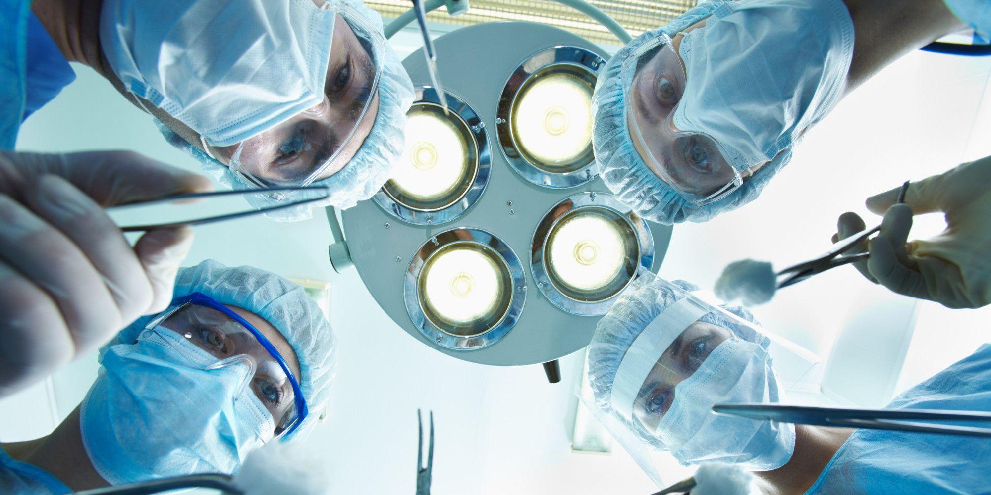 Чотири системи охорони здоров'я. Яка підходить Україні та краще протидіє COVID-19