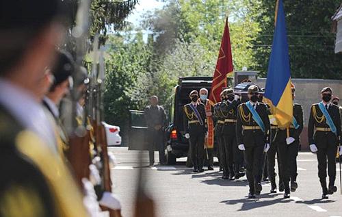 У Львові попрощалися із загиблим на Донбасі десантником, якого шість років вважали зниклим безвісти