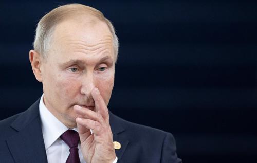 Рейтинг Путіна впав. Його знову підніматимуть війною в Україні?