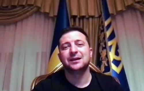 """Зеленский заявил, что лечится в больнице """"на общих условиях, как и все другие пациенты"""". Не могу понять, как этому горе-президенту элементарно не стыдно, – журналист"""