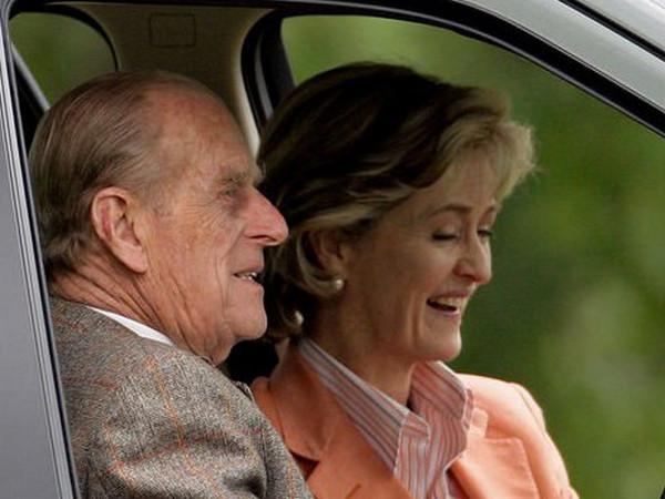 """""""Їм було начхати на те, що думають про їх зв'язок"""": що відомо про даму, запрошену на похорон принца Філіпа"""