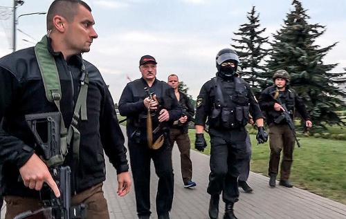 Аnti-colorados: Лукашенко показал свое нутро. Он не просто испуган, он в ужасе