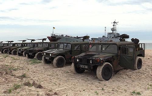 Український флот провів навчання в Чорному морі. ФОТО