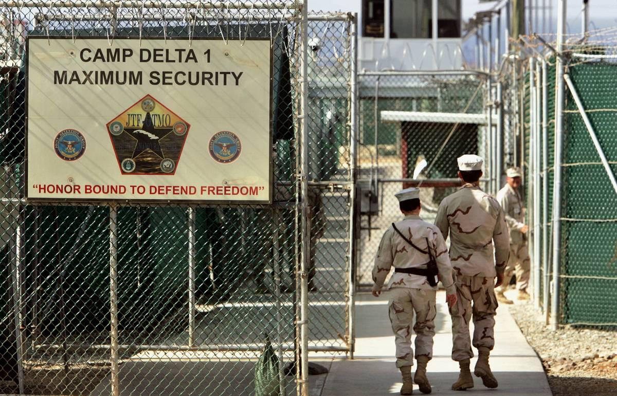 Reuters: Администрация Байдена намерена закрыть спецтюрьму в Гуантанамо