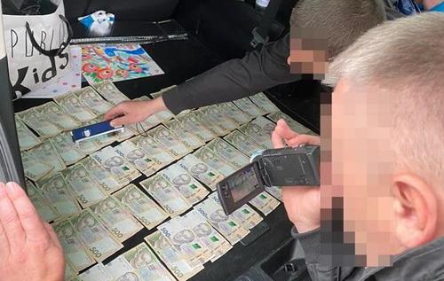 В Одессе на взятке задержан замначальника главка ГСЧС, которому СБУ инкриминирует ряд громких пожаров