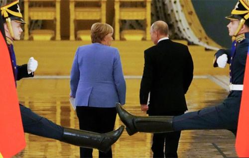 Вона намагалася грати з Путіним у чесну гру: як Меркель прощалася з досвідченим маніпулятором, – Портников