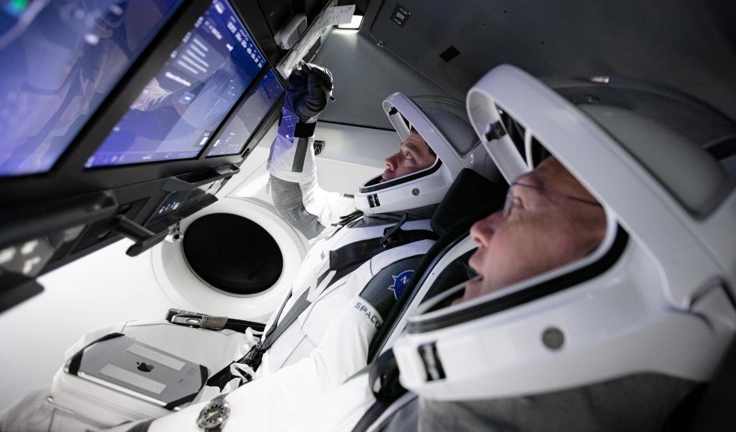 SpaceX готовится впервые отправить астронавтов на МКС