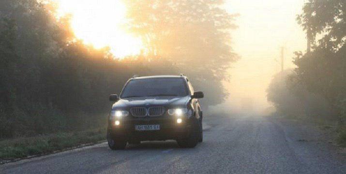Вниманию водителей: с 1 мая, необязательно включать фары за городом