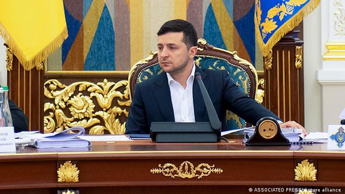 Зеленский уже месяц не подписывает указ о санкциях против контрабандиста Акста, вопреки решению СНБО, – Бутусов