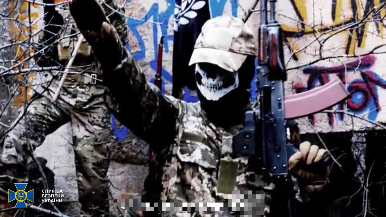 СБУ викрила іноземців, що вербували українців для вбивств і терактів, і повернула їх додому