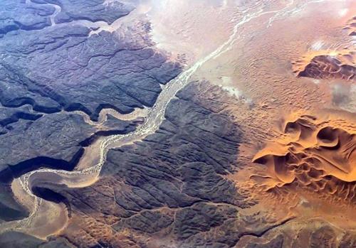 Киты и крокодилы посреди пустыни: загадки Сахары, которые ученые смогли раскрыть лишь недавно. ФОТО
