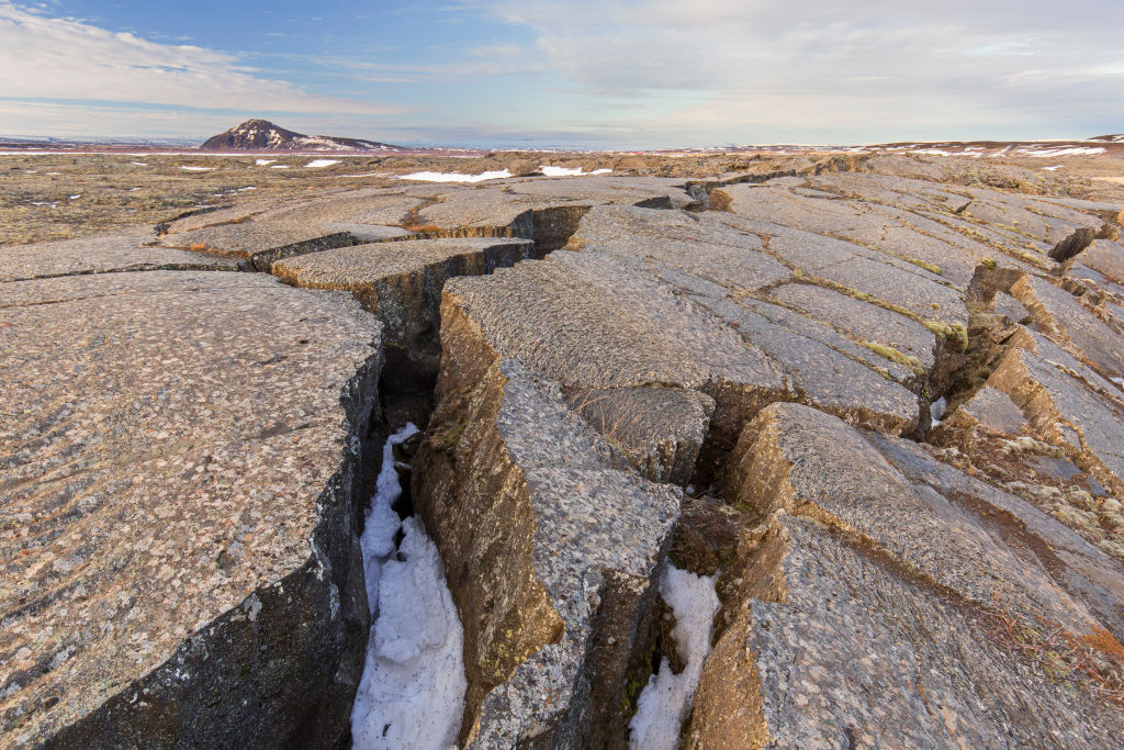Исландия: остров между тектоническимиплитами