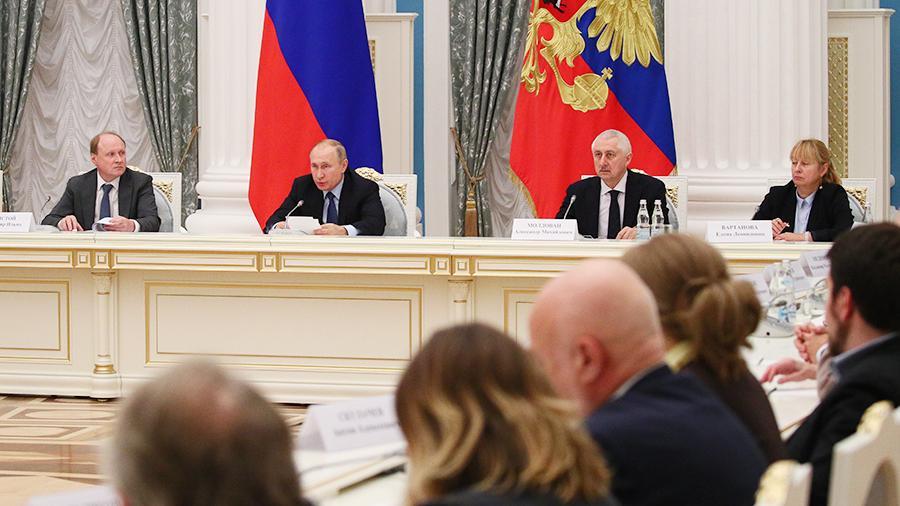 Мафиозная группировка во главе с Путиным хочет приватизировать русский язык