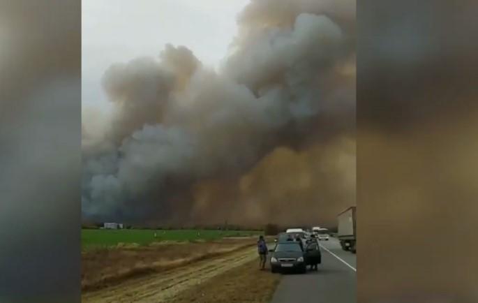 Под Рязанью горят склады Минобороны РФ, местные жители просят о помощи. ВИДЕО