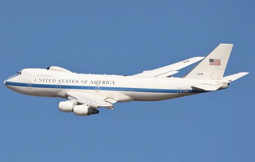 """El Español: Путин хочет новый """"самолет судного дня"""", а Трамп довольствуется старой моделью"""